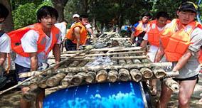 珠海团队拓展培训项目之扎筏泅渡
